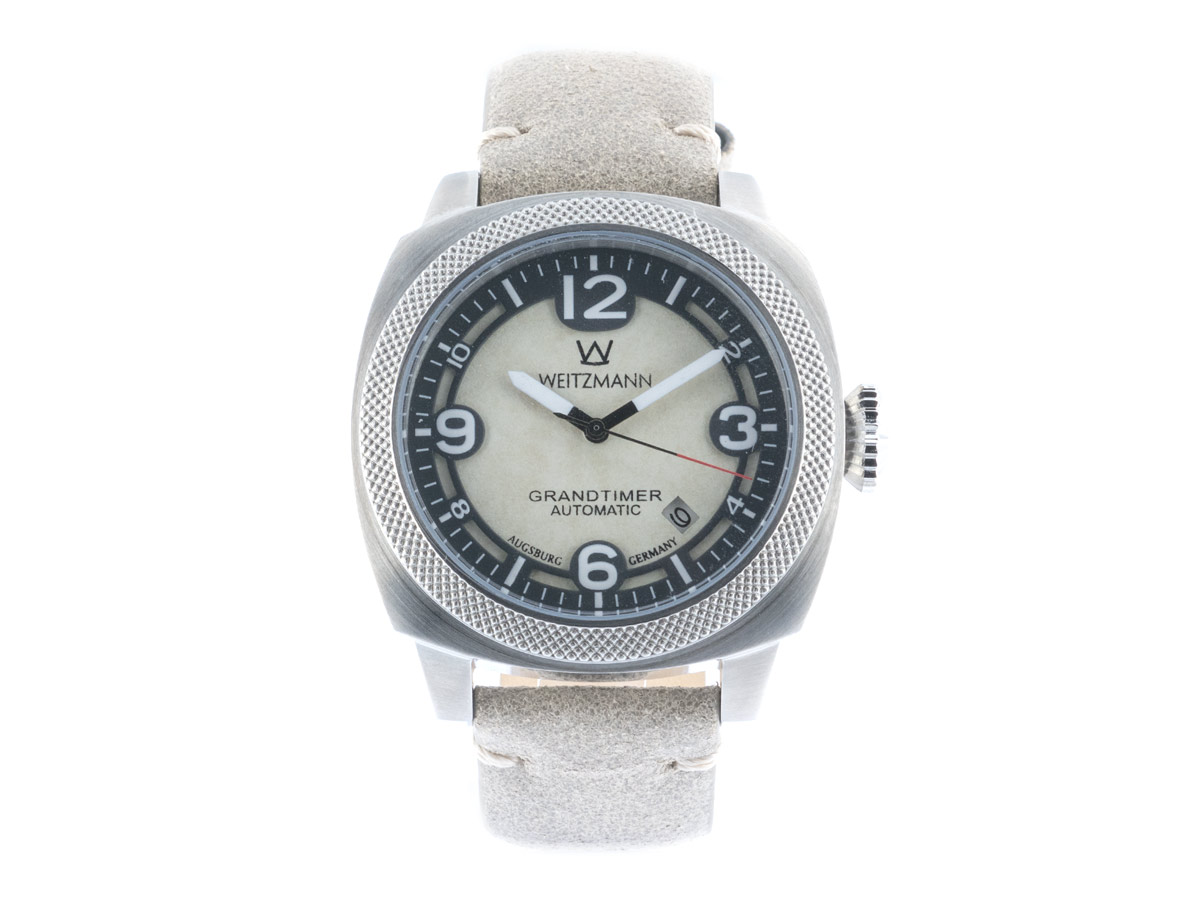 Grandtimer, silver case, genuine vintage leather strap roughened surface in light grey